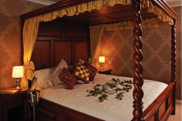 Housekeeper at 3*** Hotel in Central Town United Kingdom