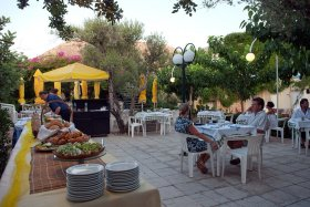 Cook, dishwasher, waiter, barwaitress, housekeeper at 4**** hotel in Heraklion Greece